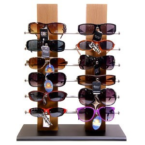 http://www.wholesalediscountsunglasses.com/images/D/7077_GLASSES_LG.jpg